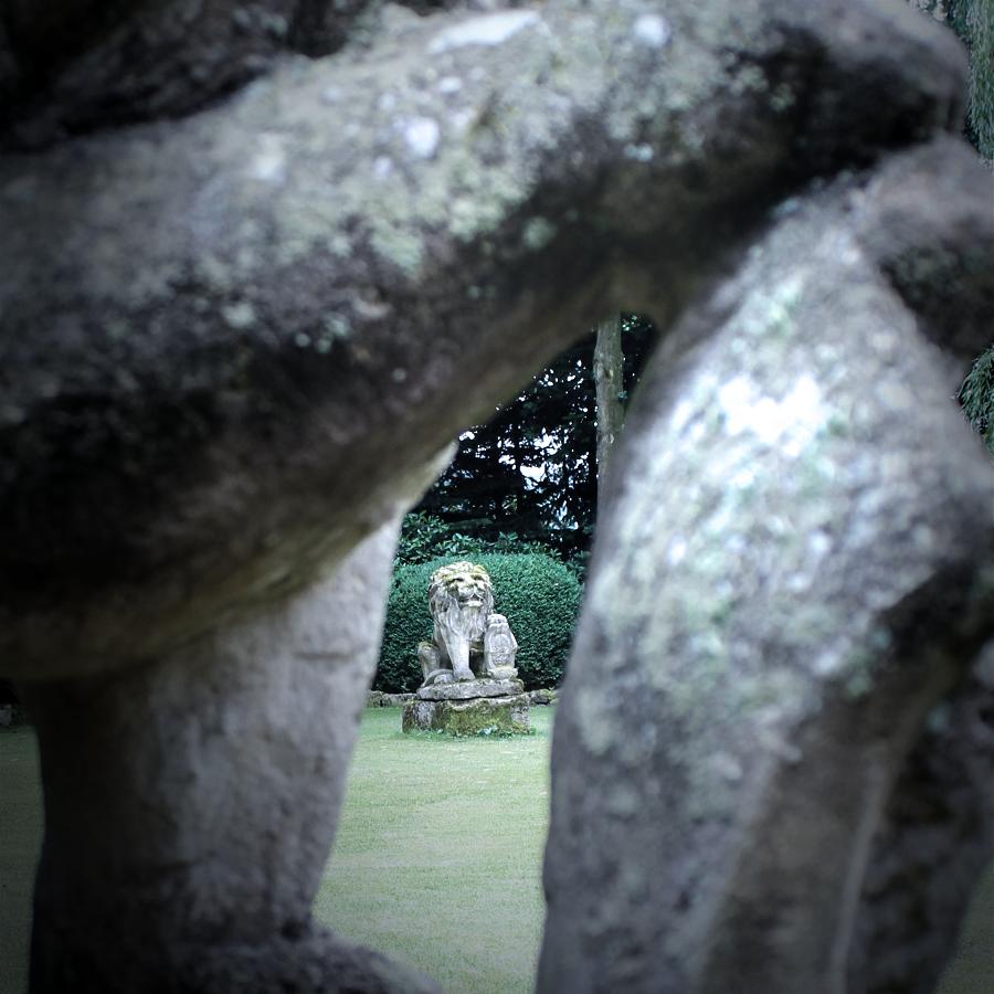 10.-Altbaustoffe-Sandstein-Skulpturen-web-Baisakow-design