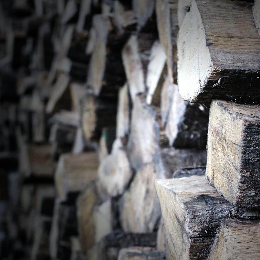 16-altbaustoffe-rosenbusch-brennholz-baisakow-design